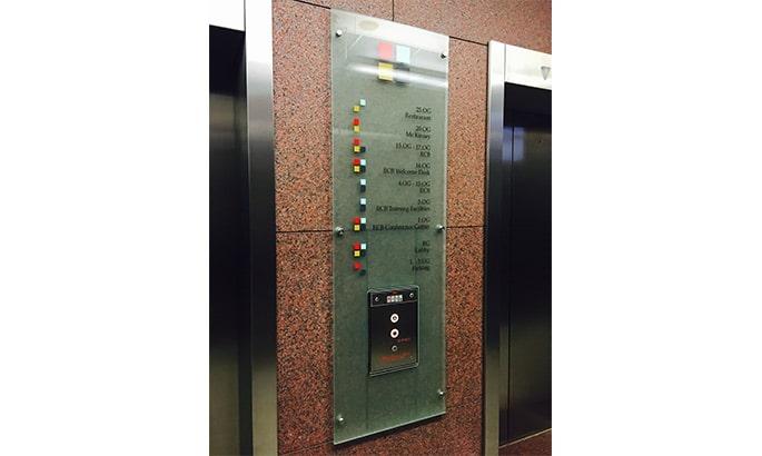 Glasschild Aufzugsbeschriftung