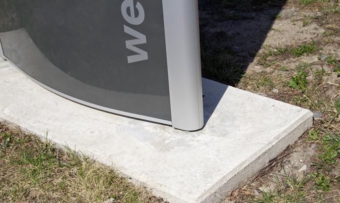 Ansicht einer Bodenplatte udn eines Fundamentes von einem Außenwerbeschild