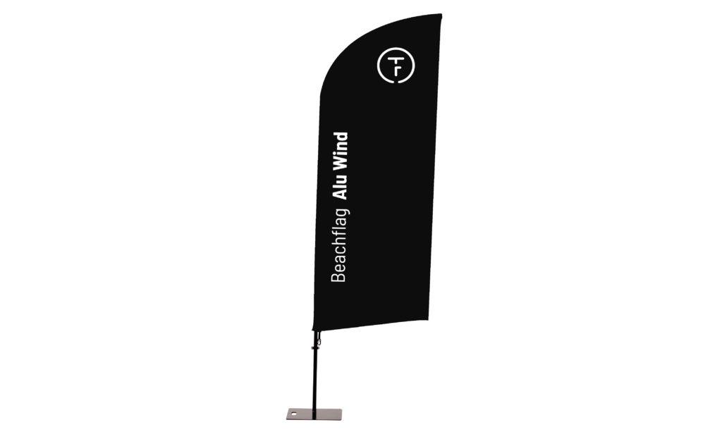 beachflag mit schräger schwarzer Fahne