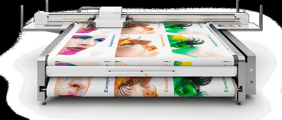 Großformatdruck mit Flachbetttisch und bedruckten Werbeplanen